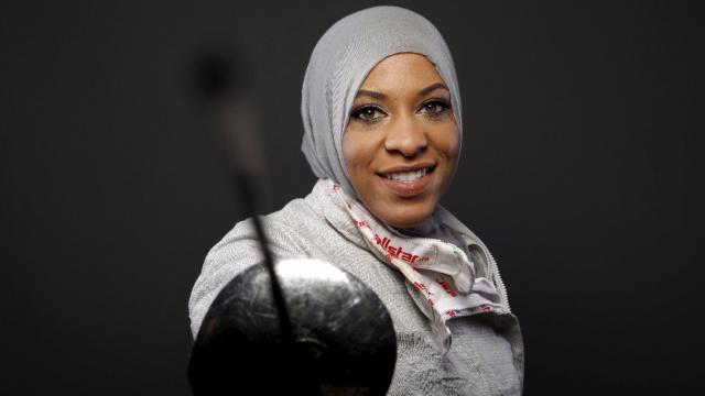美国首个!她戴穆斯林头巾出战奥运