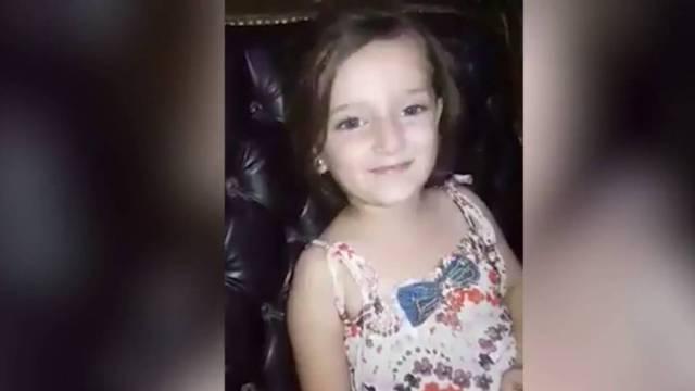 叙利亚女孩唱歌时,家门外炸弹爆炸
