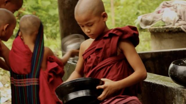 这家缅甸的佛学校收留了穆斯林孤儿