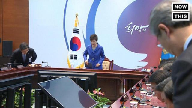 韩国国会通过弹劾案,朴槿惠遭停职
