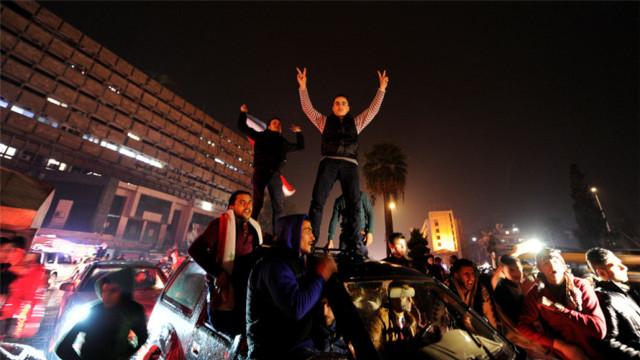 叙政府军光复阿勒颇,民众忘情庆祝
