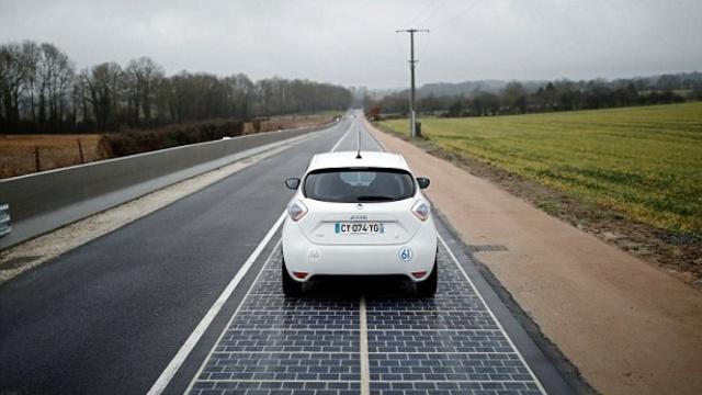 全球首条太阳能电池板公路开通了