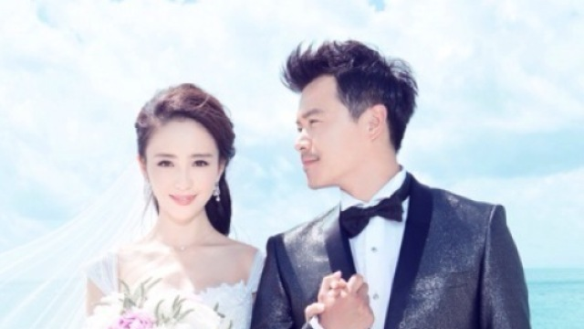 再看陈思诚佟丽娅婚礼,他动情了吗?