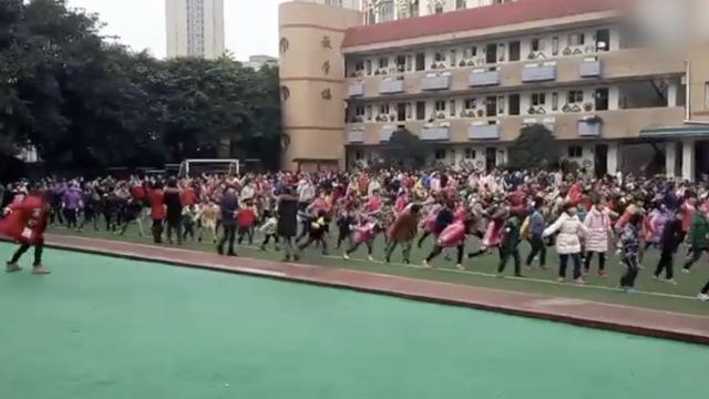 课间跳BigBang,
