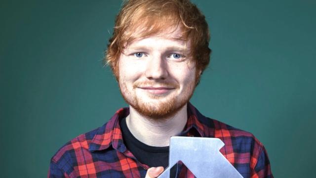 Ed Sheeran再度包揽英单曲榜冠亚军
