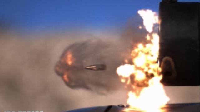 不要眨眼!子弹大战螺旋桨
