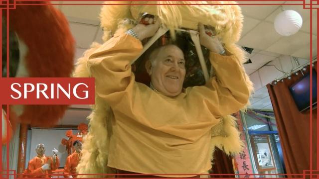 当71岁的西班牙老爷爷爱上舞狮子