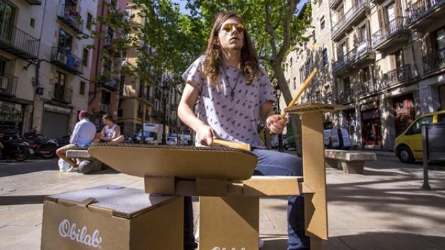 乐器界的奇葩!硬纸箱秒变架子鼓