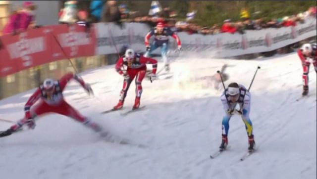 超慢动作回放,滑雪比赛中失误瞬间