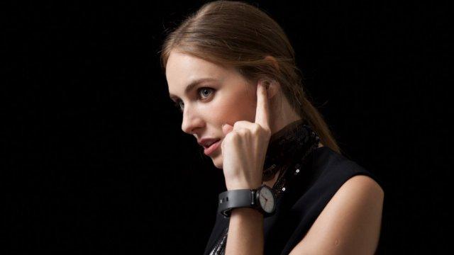 5个设计 | 让你用手指打电话的表带
