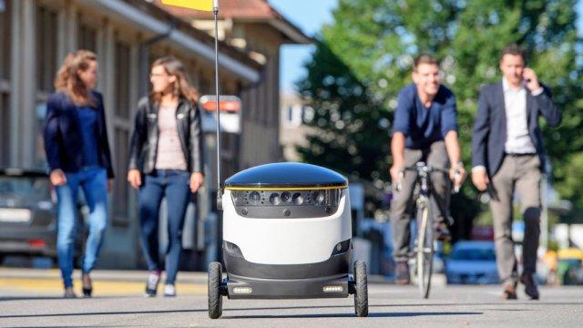 欧美现送餐机器人,外卖小哥将下岗?