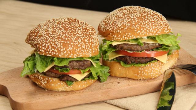 正版巨无霸双层牛肉汉堡