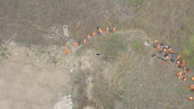 地震演练出动无人机,现场破拆营救