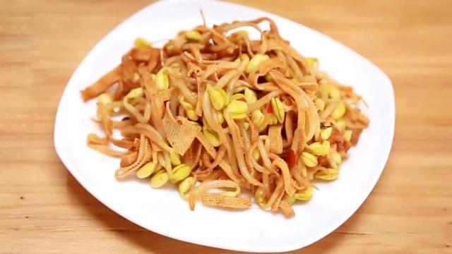 黄豆芽最好吃的做法,瞬间被征服!