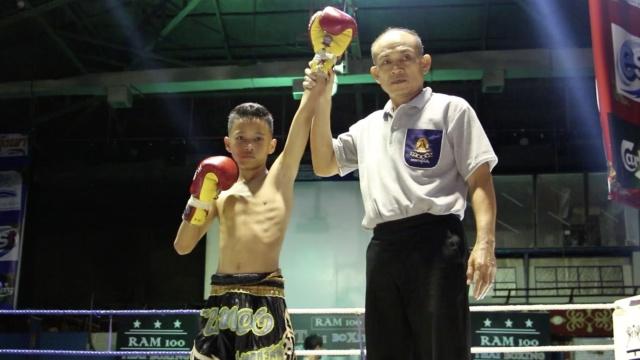 贫穷少年的泰拳人生:赢比赛赚百元