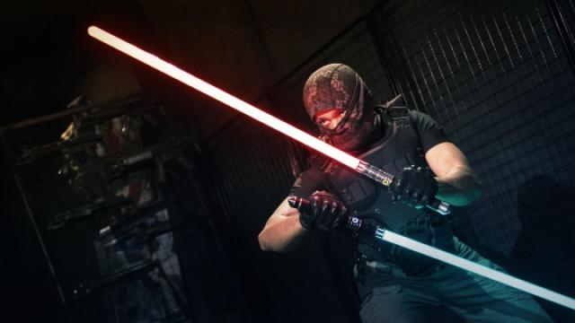 激光剑在现实中该如何使用?