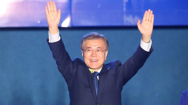 新总统文在寅:将创造个像样的韩国