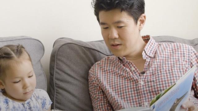 爸爸给不想当华裔的女儿写了一本书