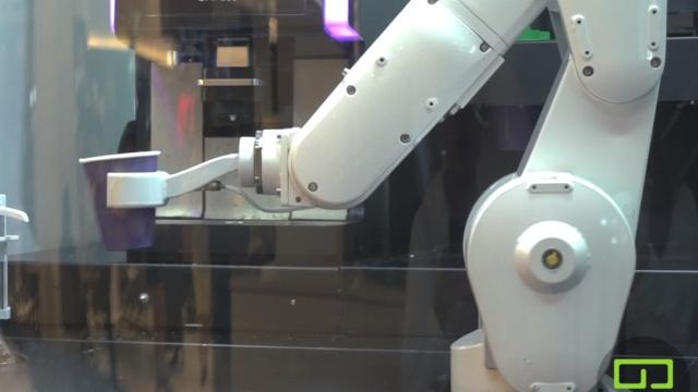 美国硅谷机器人咖啡,售价3美元