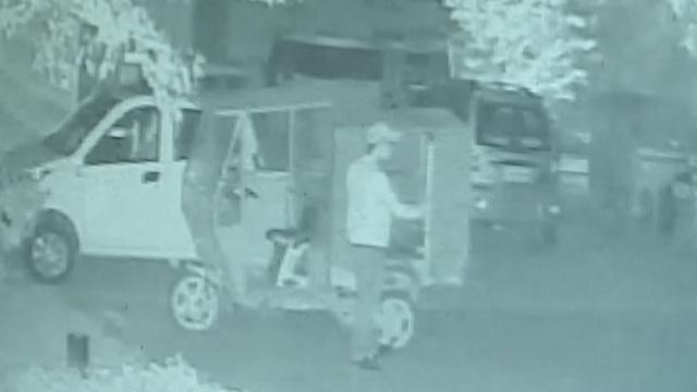 3月出狱5月出山,他一晚盗30块电瓶