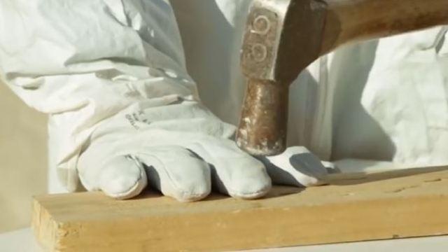 坚不可摧的手套,彻底保护工人手指