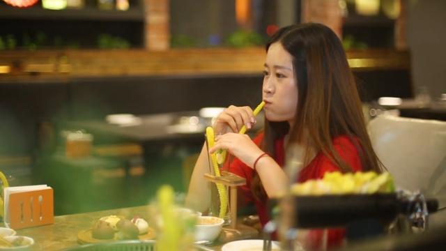 食客栈:美女吃火锅太诱人了