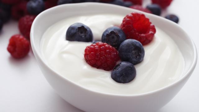 饭后一瓶酸奶,真的有助消化吗?