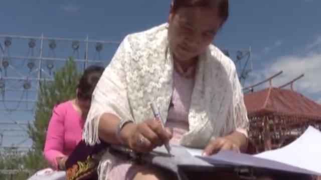 40名哈萨克族绣娘