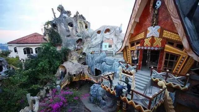 看越南公主亲自设计的城堡主题酒店