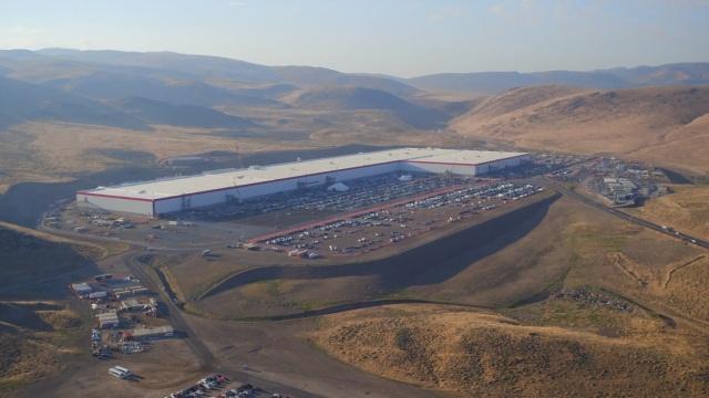 沙漠海市蜃楼:特斯拉超级电池工厂