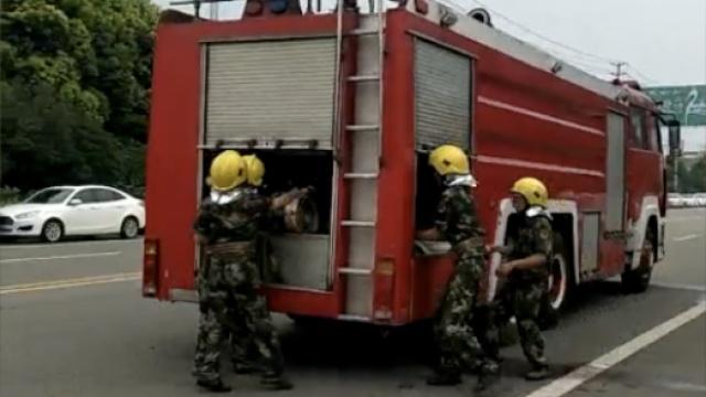老板组建7人消防队,帮人灭火不要钱