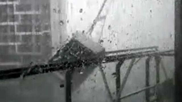 """最强台风10个瞬间展现""""天鸽""""威力"""