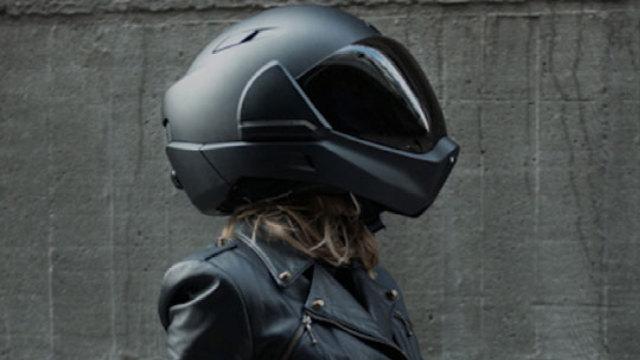 这个智能头盔能提供360度全视野!