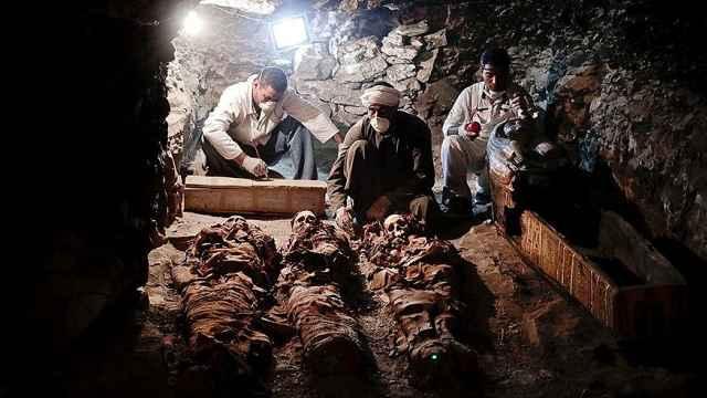 埃及这座3500年古墓,埋着金匠夫妇