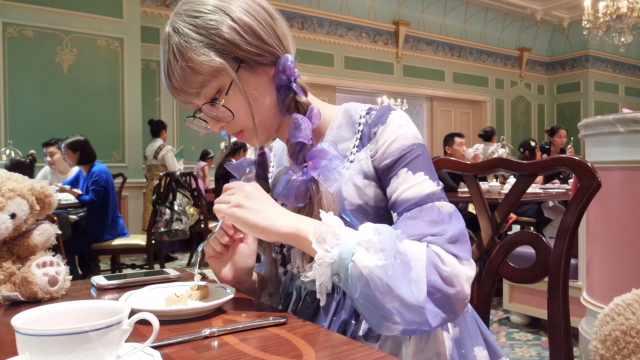 在迪士尼主城堡体验下午茶套餐
