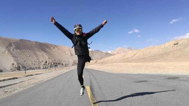 独腿小伙骑车去西藏,嫌队友骑得慢