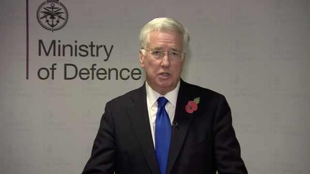 英国政坛性骚扰频发,国防大臣辞职