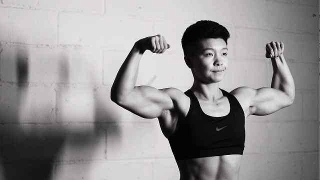 六块腹肌+麒麟臂,她是最帅女教练