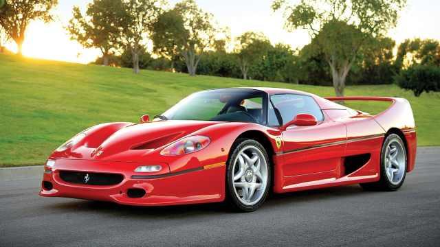 使用F1赛车引擎驱动的法拉利F50