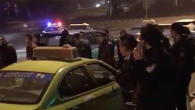 的哥遭乘客持刀抢劫 警方全力缉凶