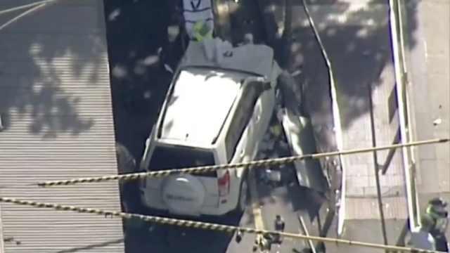 墨尔本SUV冲撞行人16伤,警方:蓄意