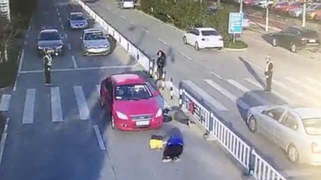 小车斑马线撞2人,都是太阳惹的祸?