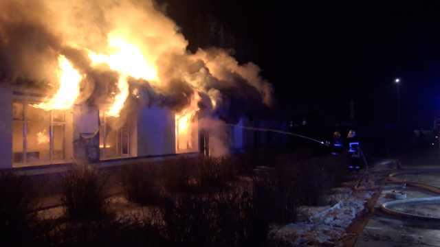 驾校10几间房起火,耗时4小时扑灭