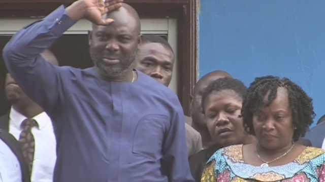 他从CCTV5走到CCTV1,当选总统落泪