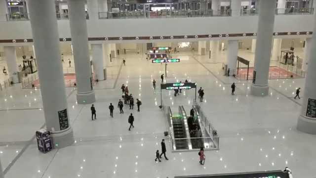 重庆最大地铁站!1万+平,大过足球场