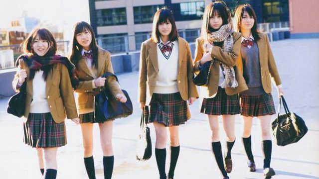 直播:她们不怕冷?日本少女冬季短裙