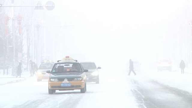 漠河起冰雾迎寒潮,游客:来了不想走