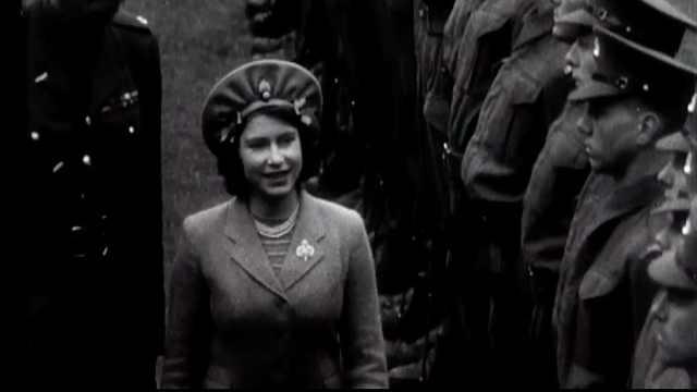 王室秘史:女王这样过16岁生日