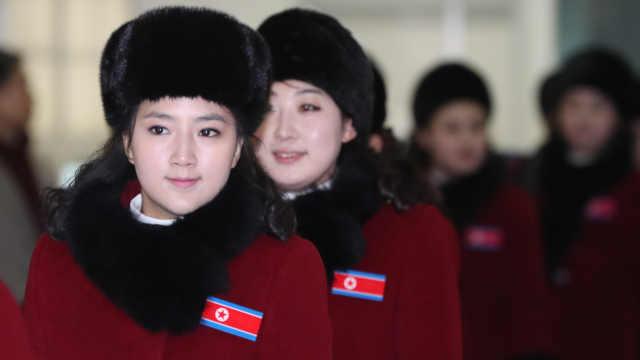 朝鲜拉拉队再访韩,肤白貌美气质佳