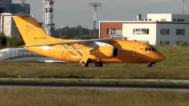 俄坠毁同型号飞机曾引擎起火迫降